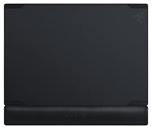 .Razer Vespula Dual-Sided Gaming Mouse Mat