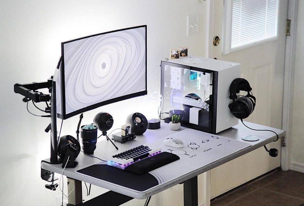 White-Gaming-PC-Build-500