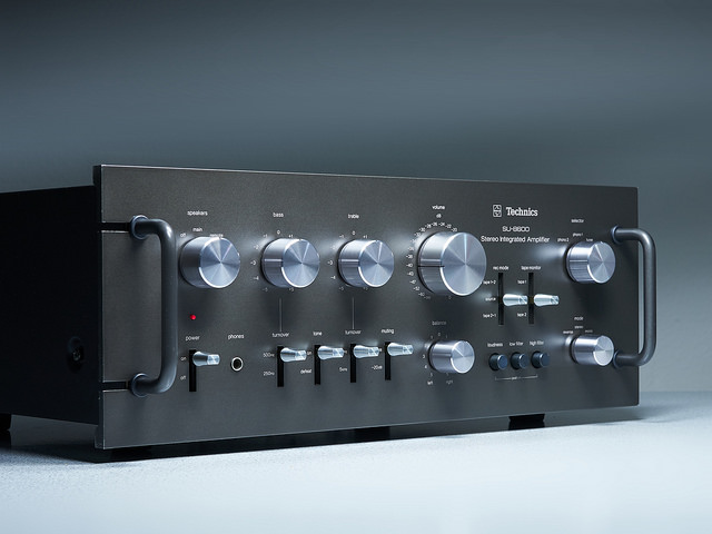 Stereo-Amplifiers-Buying-Guide